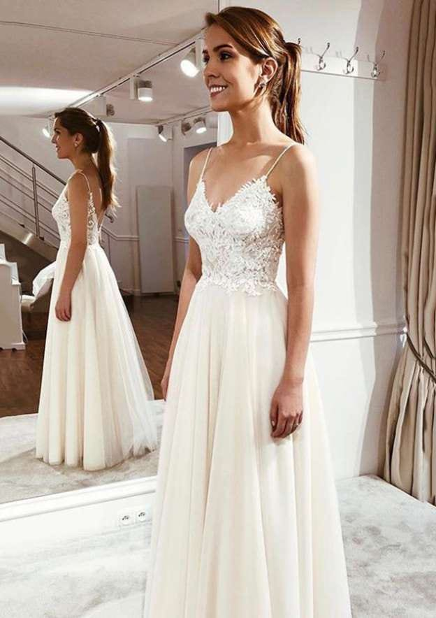 A-Line/Princess V Neck Sleeveless Long/Floor-Length Tulle Wedding Dress With Appliqued
