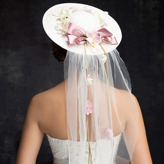 Ladies' Charming/Elegant/Beautiful Net Yarn Cambric Fascinators With Flower Lace