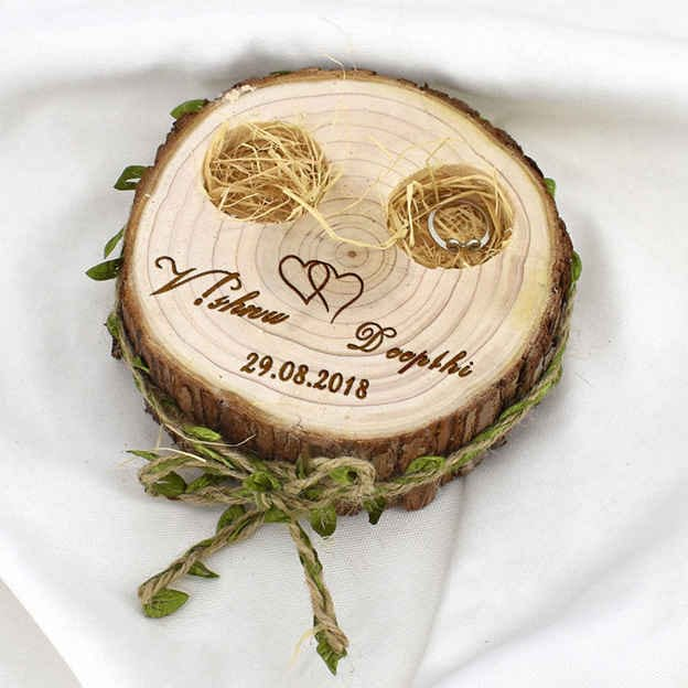 Personalized Ring Holder in Wood With Bowknot