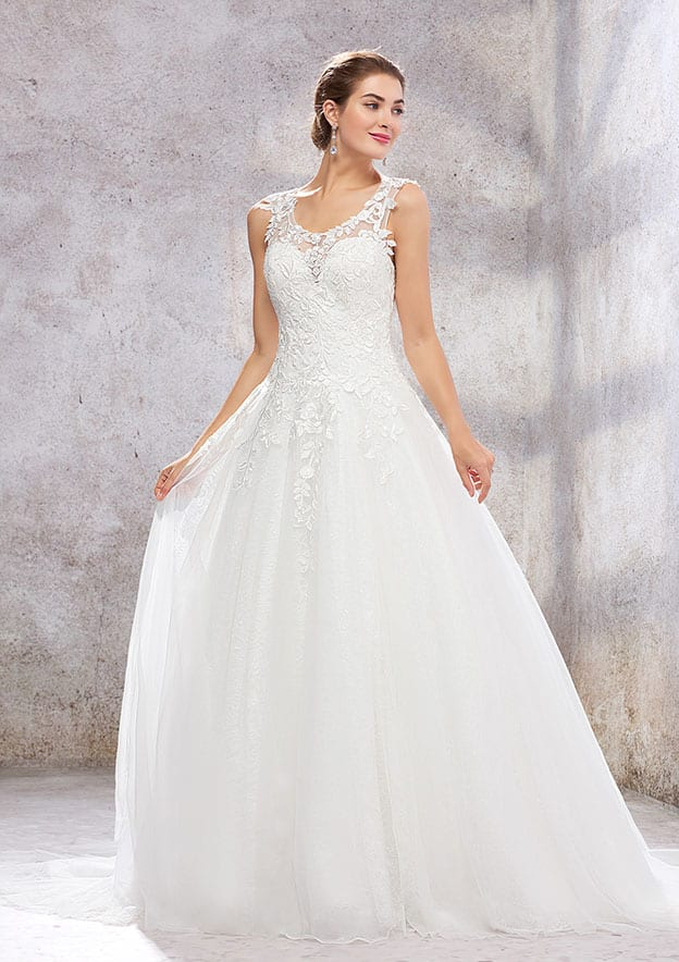 Ball Gown Sleeveless Court Train Lace/Tulle/Satin Wedding Dress