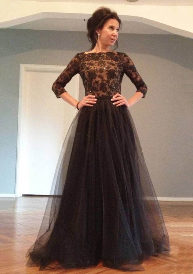 A-Line/Princess Bateau 3/4 Sleeve Sweep Train Tulle Prom Dress With Appliqued