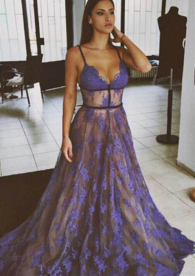 A-Line/Princess Sweetheart Sleeveless Sweep Train Lace Prom Dress With Appliqued