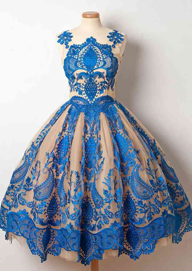 Ball Gown Scalloped Neck Sleeveless Knee-Length Lace Prom Dress