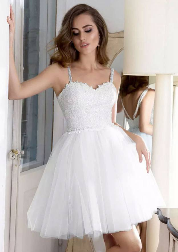 A-Line/Princess Sweetheart Sleeveless Short/Mini Tulle Homecoming Dress With Lace