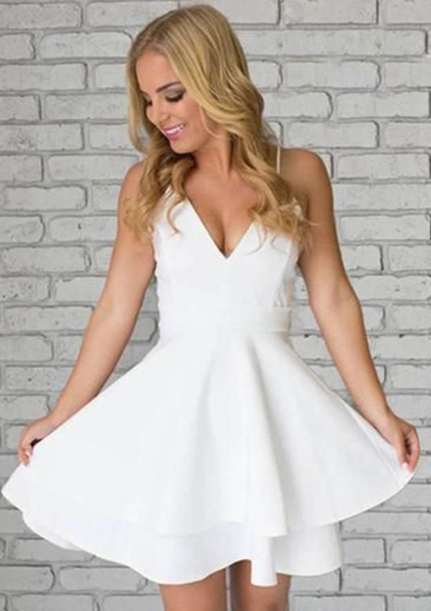 A-Line/Princess V Neck Sleeveless Short/Mini Elastic Satin Homecoming Dress With Lace