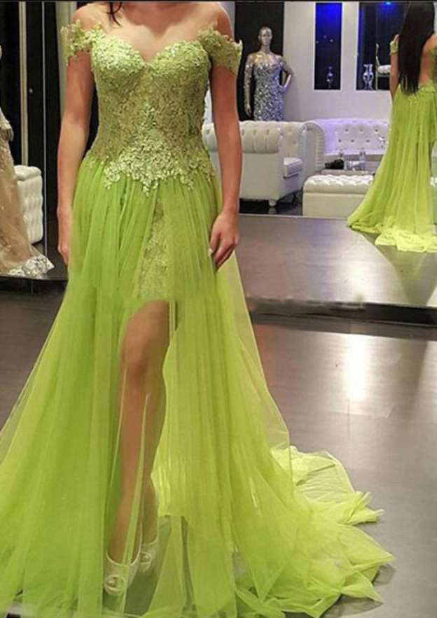 A-Line/Princess Off-The-Shoulder Short Sleeve Court Train Tulle Prom Dress With Lace