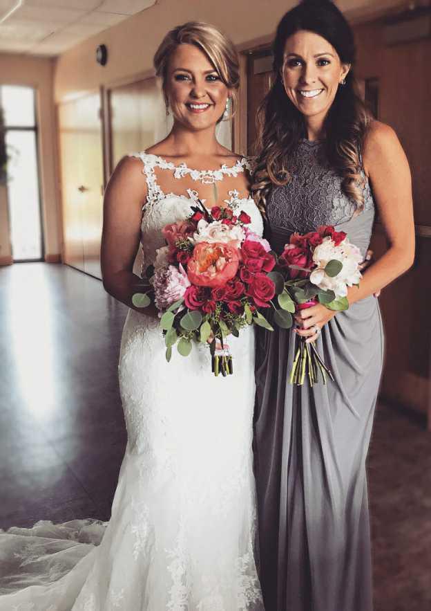 Sheath/Column Bateau Sleeveless Long/Floor-Length Chiffon Bridesmaid Dress With Lace