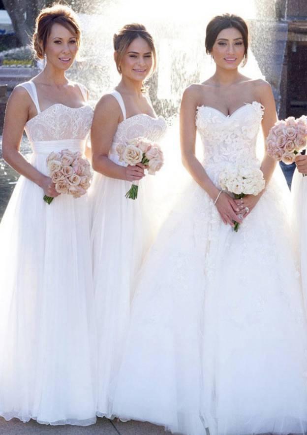 A-Line/Princess Sweetheart Sleeveless Long/Floor-Length Chiffon Bridesmaid Dress With Lace