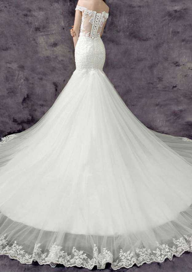Trumpet/Mermaid Off-The-Shoulder Sleeveless Chapel Train Tulle Wedding Dress With Appliqued Beading Lace