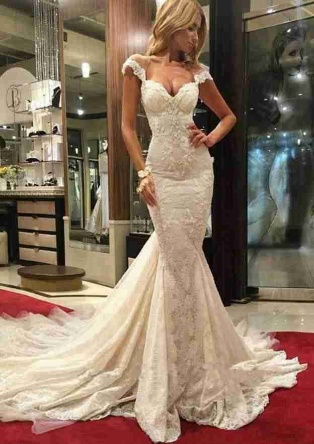 Trumpet/Mermaid Sweetheart Sleeveless Chapel Train Lace Wedding Dress With Appliqued