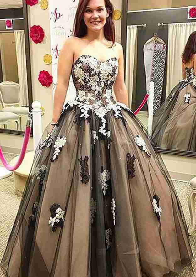 Ball Gown Sweetheart Sleeveless Long/Floor-Length Tulle Prom Dress With Appliqued Bowknot