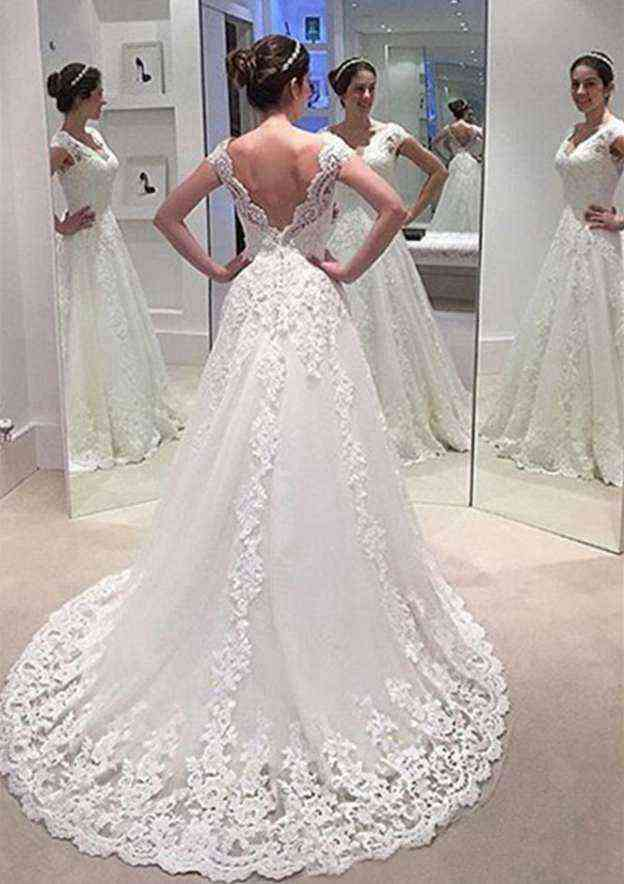 A-Line/Princess Scalloped Neck Sleeveless Court Train Lace Wedding Dress With Appliqued