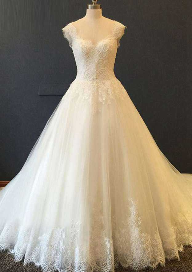 Ball Gown Sweetheart Sleeveless Sweep Train Chiffon Wedding Dress With Appliqued Lace