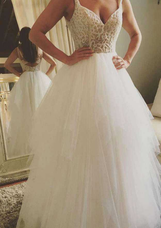 Ball Gown Sweetheart Sleeveless Long/Floor-Length Tulle Wedding Dress With Lace