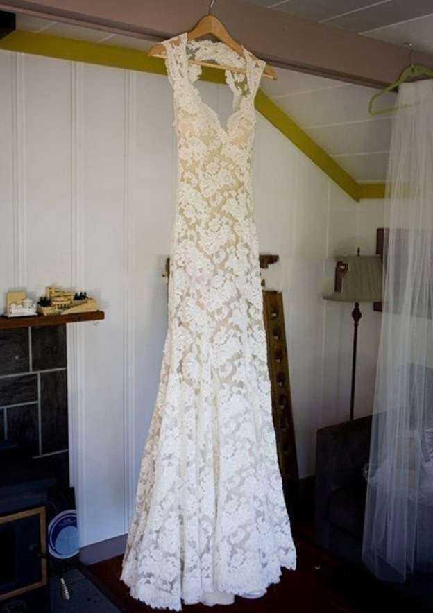 Sheath/Column Sweetheart Sleeveless Sweep Train Lace Wedding Dress With Bowknot Sashes