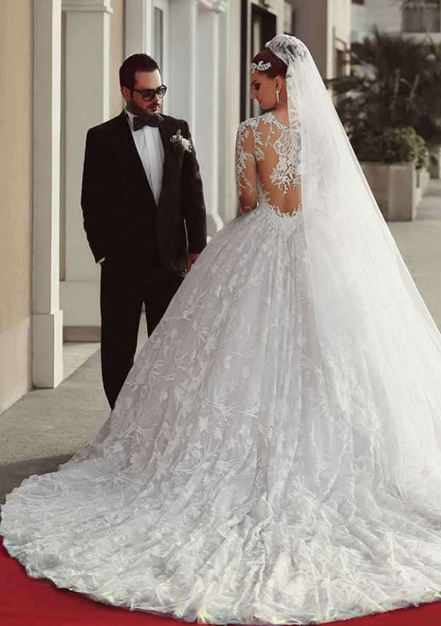 Ball Gown Bateau Full/Long Sleeve Chapel Train Lace Wedding Dress With Appliqued