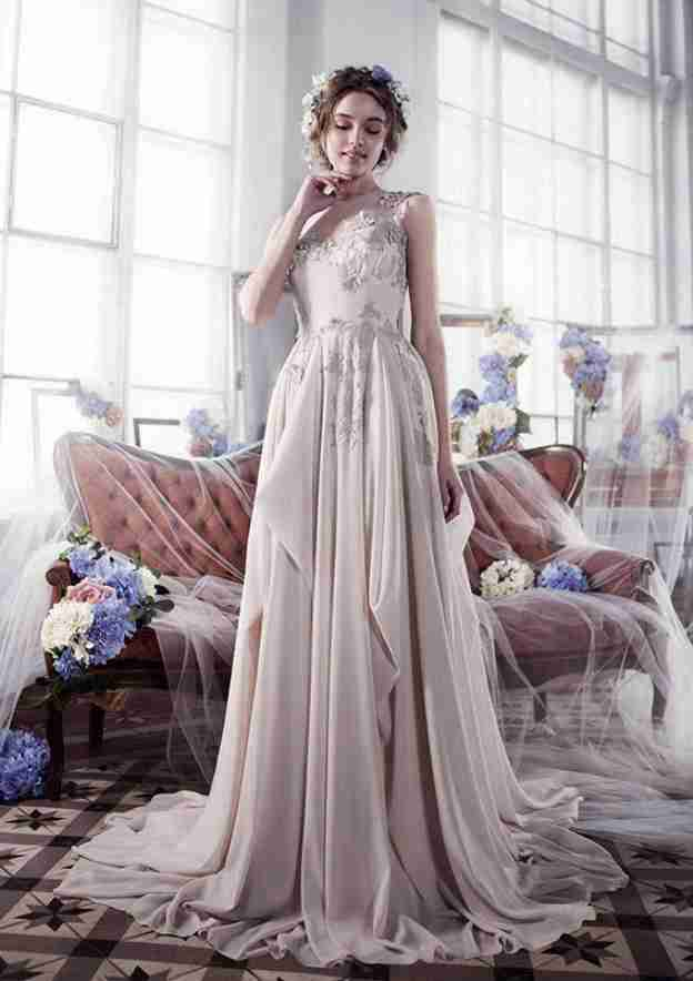 A-Line/Princess Bateau Sleeveless Sweep Train Chiffon Prom Dress With Ruffles Appliqued
