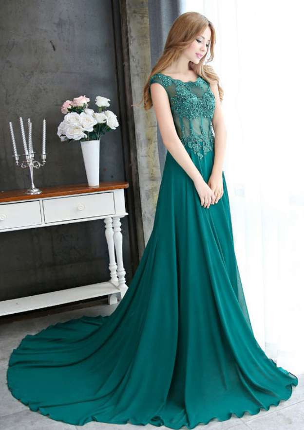 A-Line/Princess Scoop Neck Sleeveless Court Train Chiffon Prom Dress With Beading Appliqued