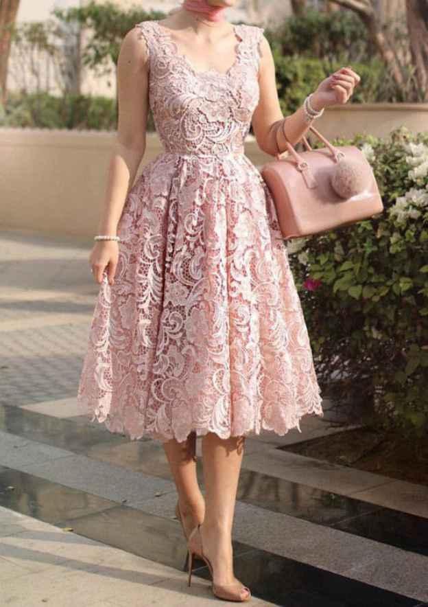 A-Line/Princess Scalloped Neck Sleeveless Tea-Length Lace Prom Dress