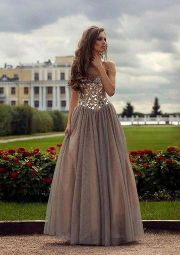 A-Line/Princess Sweetheart Sleeveless Long/Floor-Length Tulle Prom Dress With Crystal Beading