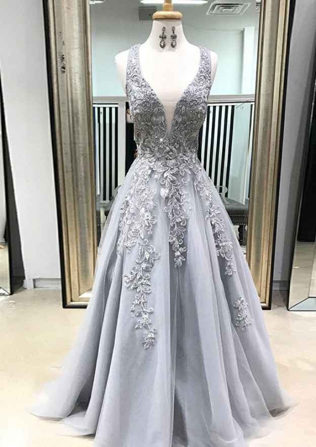 A-Line/Princess Scalloped Neck Sleeveless Long/Floor-Length Tulle Prom Dress With Appliqued