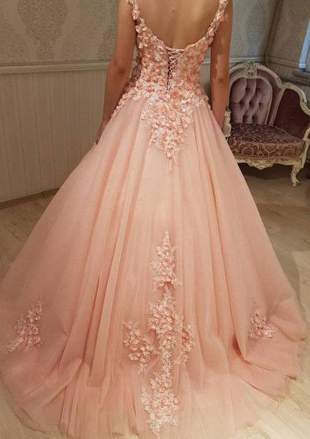 Ball Gown Scalloped Neck Sleeveless Court Train Tulle Prom Dress With Appliqued