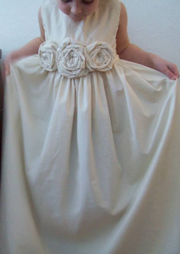 A-Line/Princess Bateau Sleeveless Long/Floor-Length Satin Flower Girl Dress With Handmade Flowers