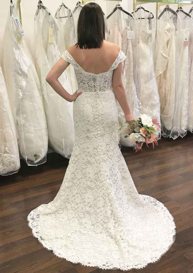 Sheath/Column Off-The-Shoulder Sleeveless Court Train Lace Wedding Dress