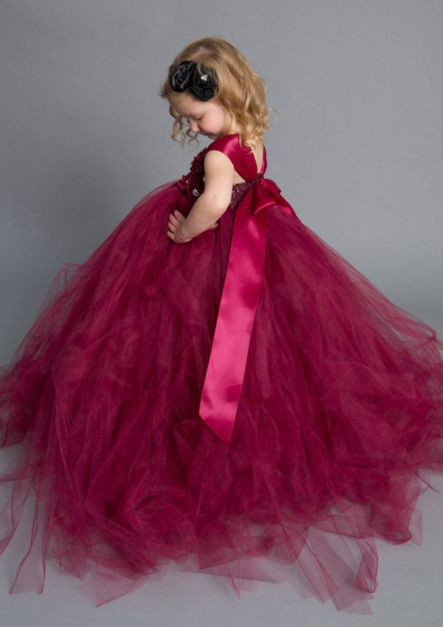 Ball Gown Square Neckline Sleeveless Sweep Train Tulle Flower Girl Dress With Handmade Flowers