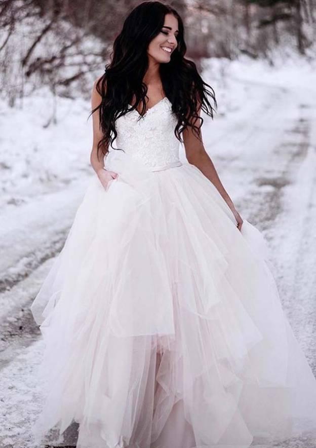 A-Line/Princess V Neck Sleeveless Asymmetrical Tulle Wedding Dress With Lace
