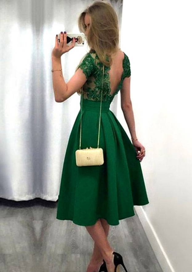 A-Line/Princess Bateau Short Sleeve Knee-Length Satin Homecoming Dress With Appliqued