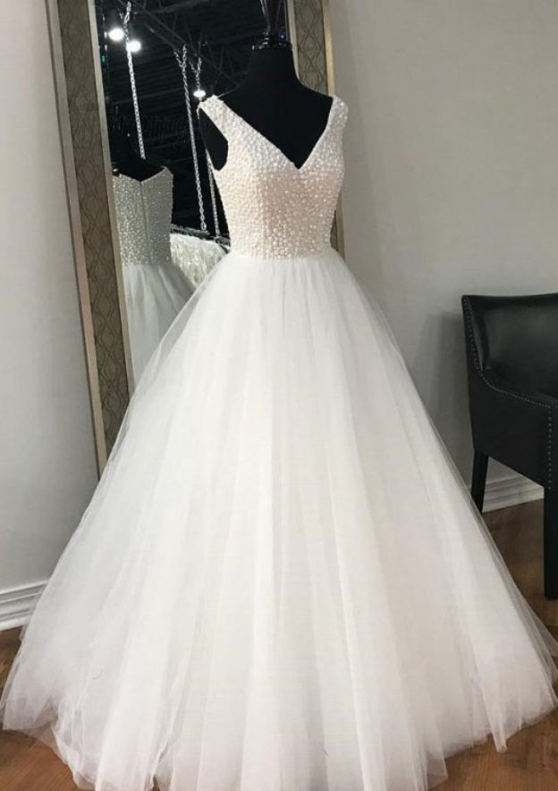 A-Line/Princess Scoop Neck Sleeveless Sweep Train Tulle Wedding Dress With Beading