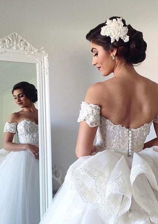 Ball Gown Off-The-Shoulder Short Sleeve Long/Floor-Length Tulle Wedding Dress With Appliqued Lace