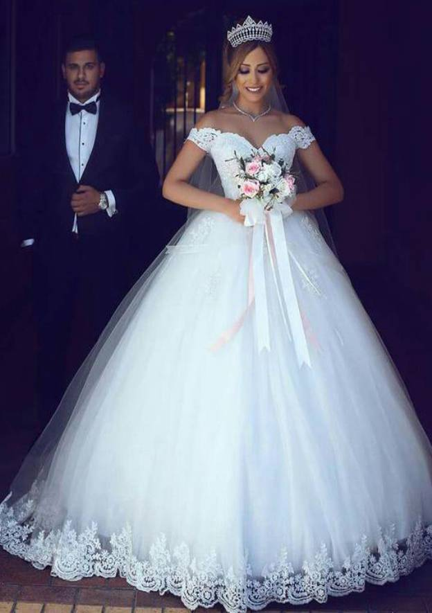Ball Gown Off-The-Shoulder Sleeveless Long/Floor-Length Wedding Dress With Lace