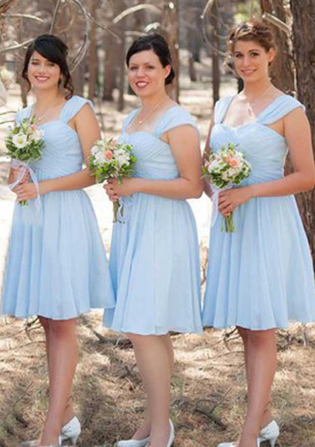 A-Line/Princess Scalloped Neck Sleeveless Knee-Length Chiffon Bridesmaid Dresses With Pleated