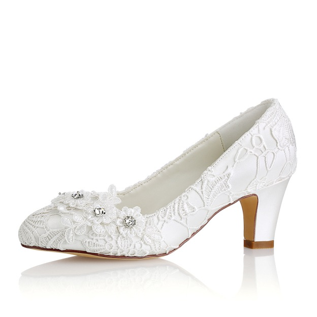Close Toe Chunky Heel Lace Wedding Shoes With Crystal Flowers