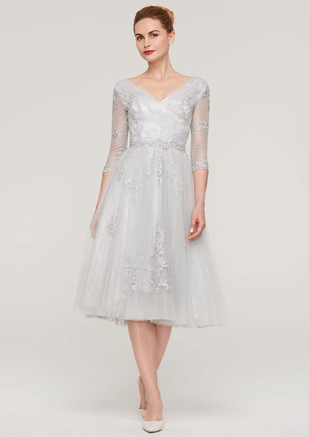 A-Line/Princess V Neck 3/4 Sleeve Tea-Length Tulle Mother Of The Bride Dress With Waistband Appliqued Lace