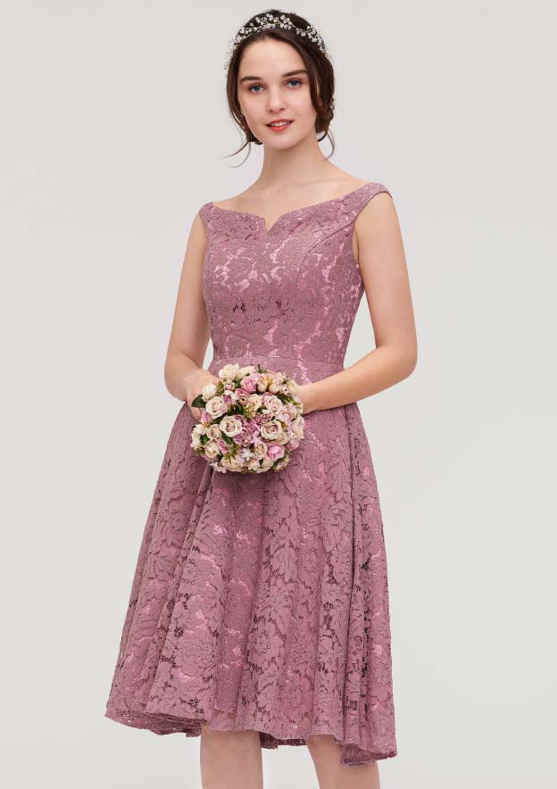 A-Line/Princess Sweetheart Sleeveless Knee-Length Lace Bridesmaid Dress
