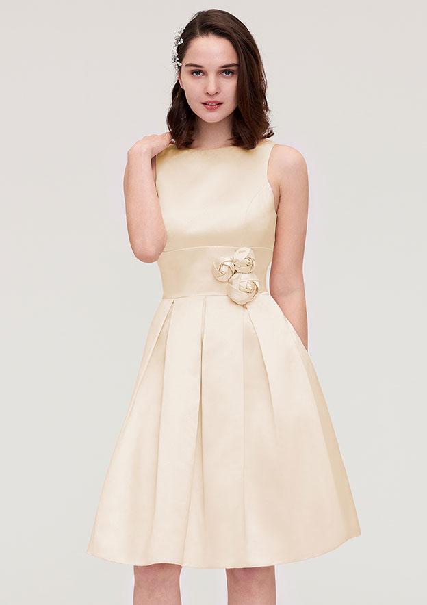 A-Line/Princess Bateau Sleeveless Knee-Length Satin Bridesmaid Dress With Pleated Flowers