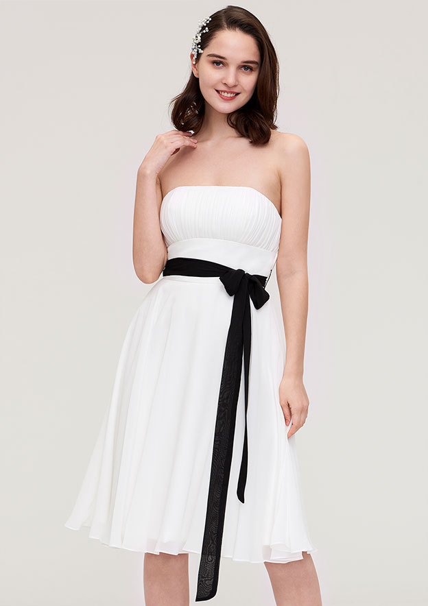 A-Line/Princess Strapless Sleeveless Knee-Length Chiffon Bridesmaid Dress With Pleated Sashes
