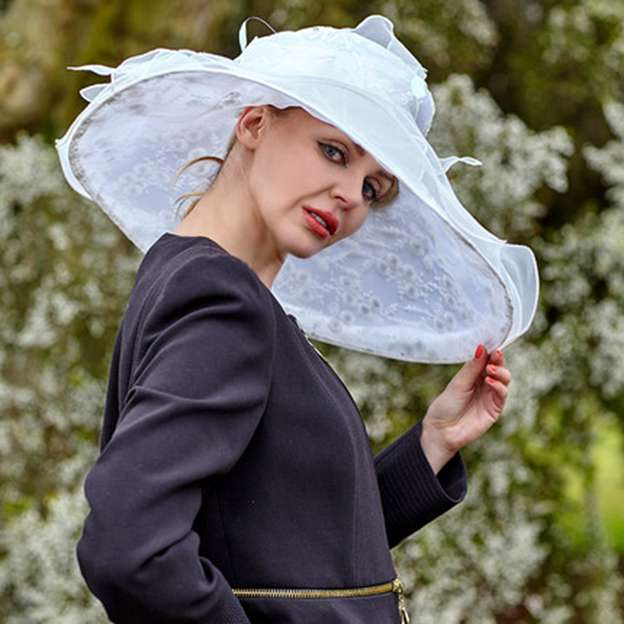 Ladies' Beautiful/Elegant Organza Beach/Sun Hats/Kentucky Derby Hats With Flower Feather