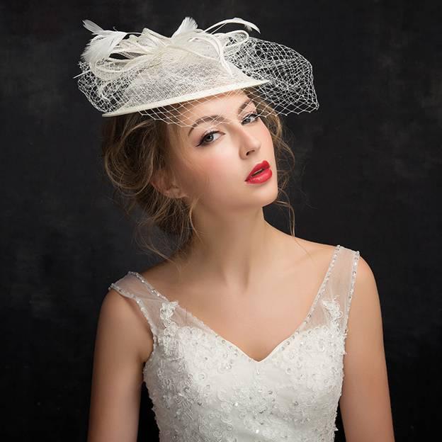 Ladies' Pretty/Elegant Net Yarn Cambric Fascinators With Feather Flower