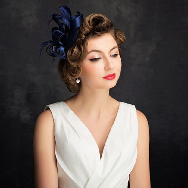 Ladies' Elegant/Beautiful Satin Cambric Fascinators With Feather