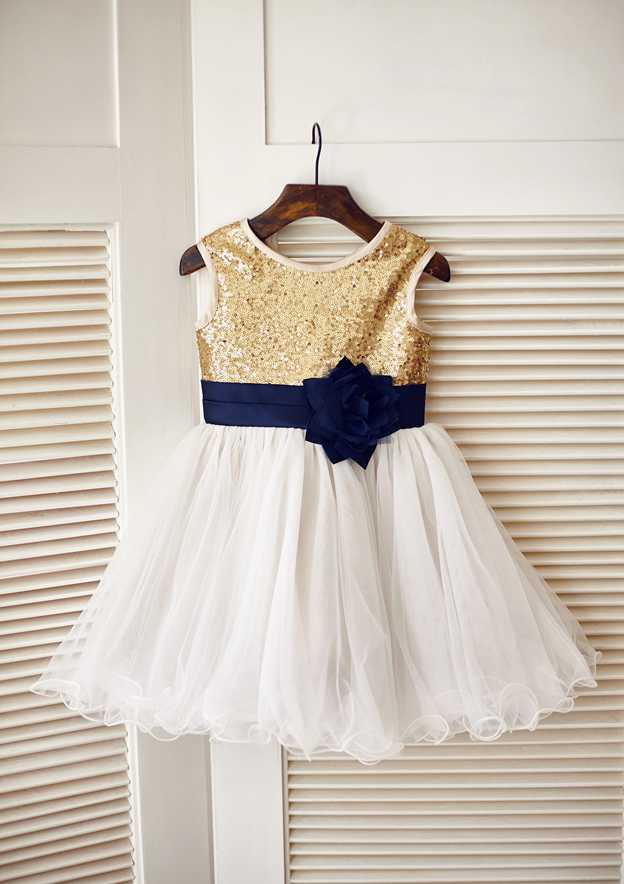 A-line/Princess Short/Mini Scoop Neck Tulle/Sequined Flower Girl Dress With Flowers/Sashes