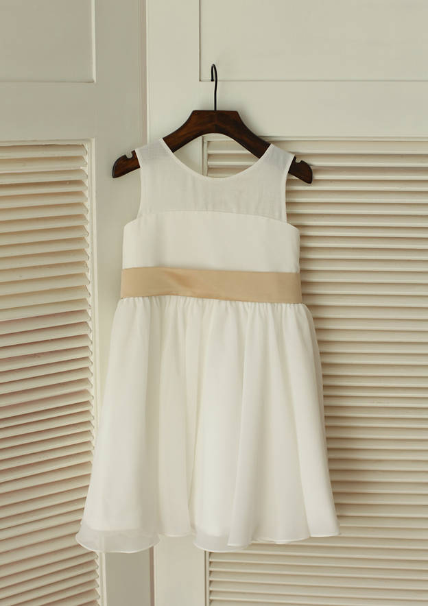 A-line/Princess Knee-Length Scoop Neck Chiffon Flower Girl Dress With Sashes
