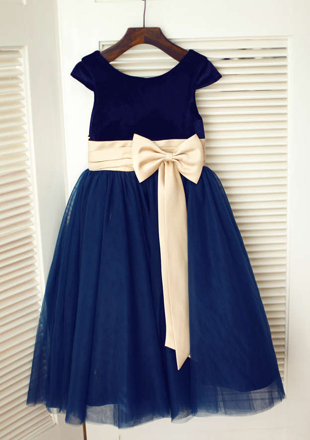 A-line/Princess Knee-Length Scoop Neck Tulle Flower Girl Dress With Bowknot/Sashes