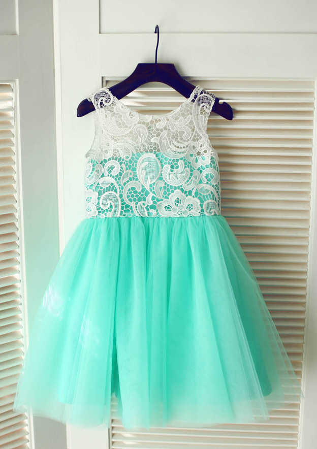 A-line/Princess Knee-Length Scoop Neck Lace/Tulle Flower Girl Dress With Lace