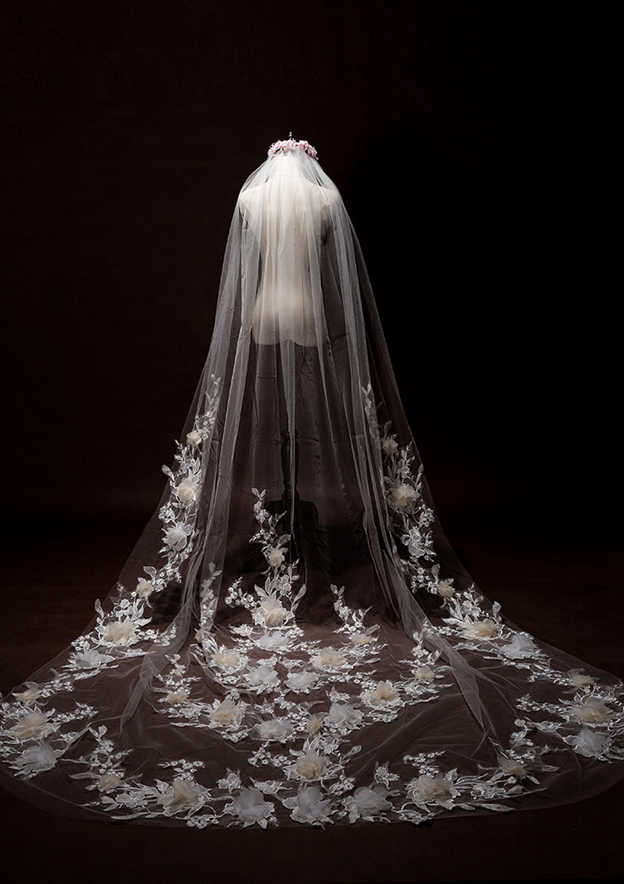 One-tier Lace Applique Edge Tulle Cathedral Bridal Veils With Applique/Flower