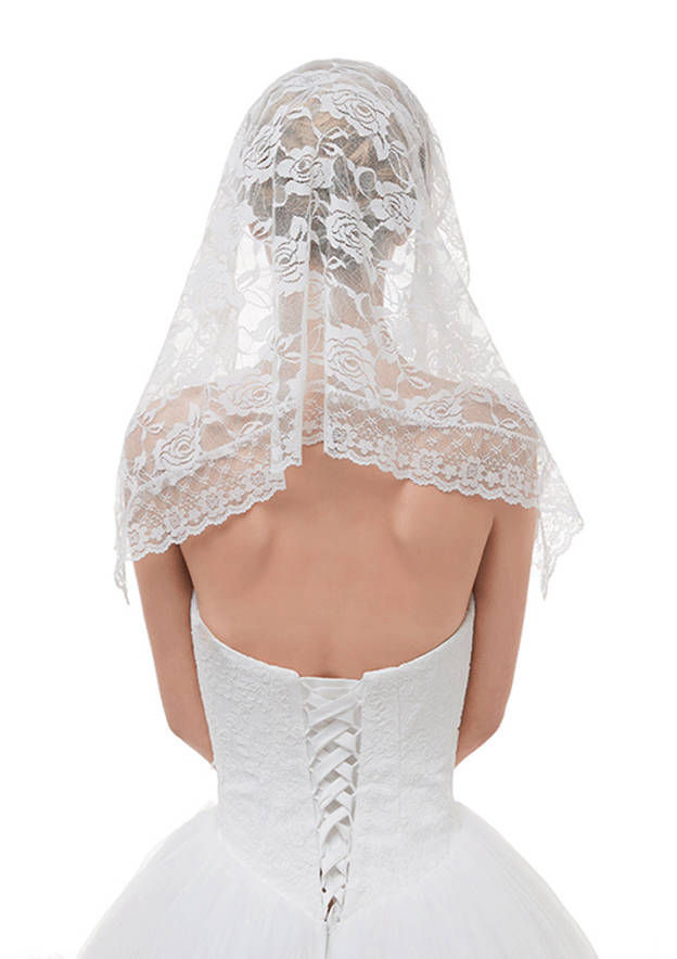 One-tier Lace Applique Edge Tulle Shoulder Veils