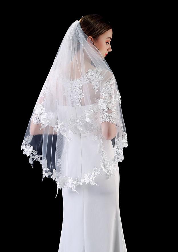 Two-tier Lace Applique Edge Fingertip Bridal Veils With Applique